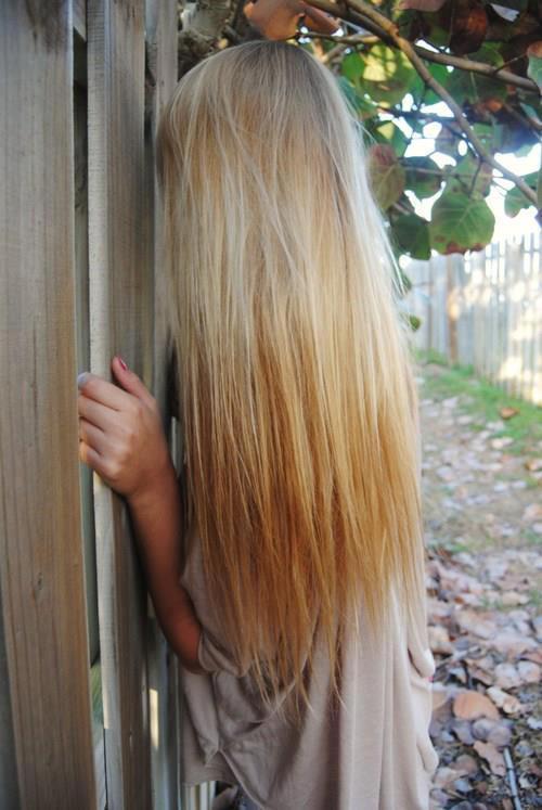 Прямые мелированные волосы блонд