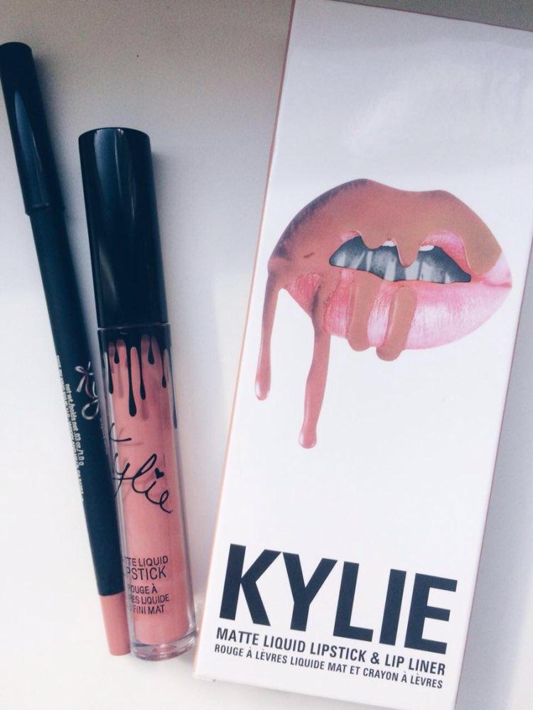 Помада Kylie True Brown K купить в магазине со скидкой: Помада и карандаш Кайли Дженнер KYLIE цвет темный нюд
